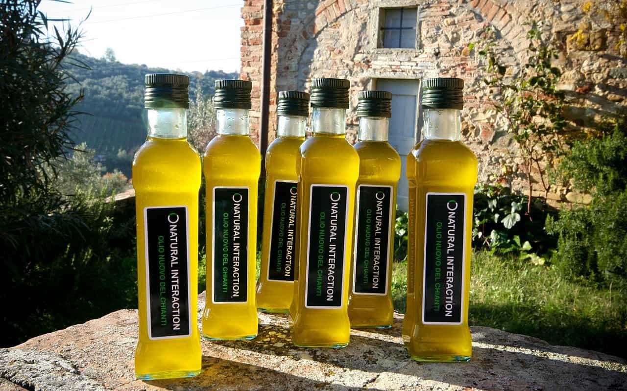 In Puglia, quasi ogni famiglia produce il proprio olio d'oliva